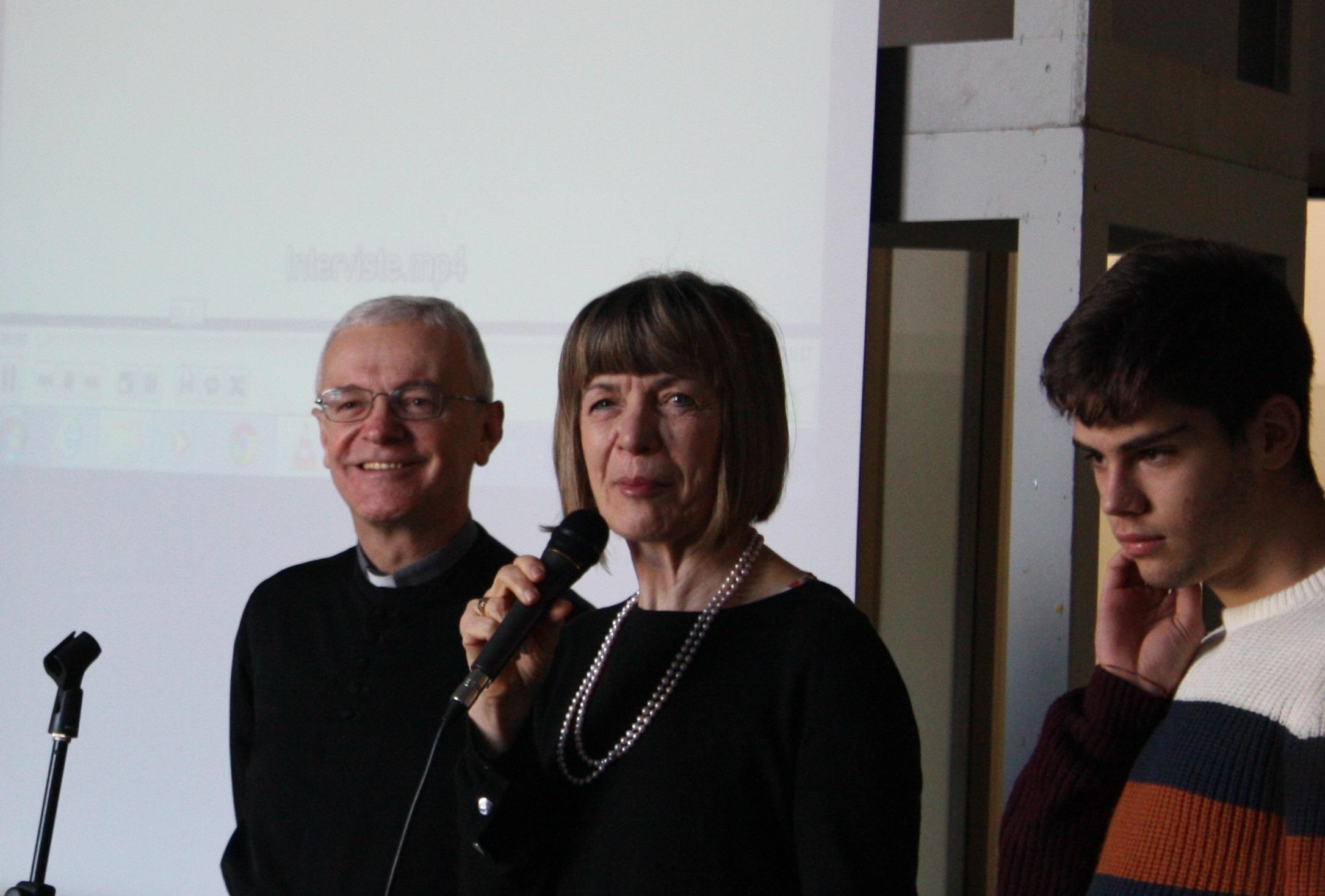 Il Vicario Episcopale al Liceo